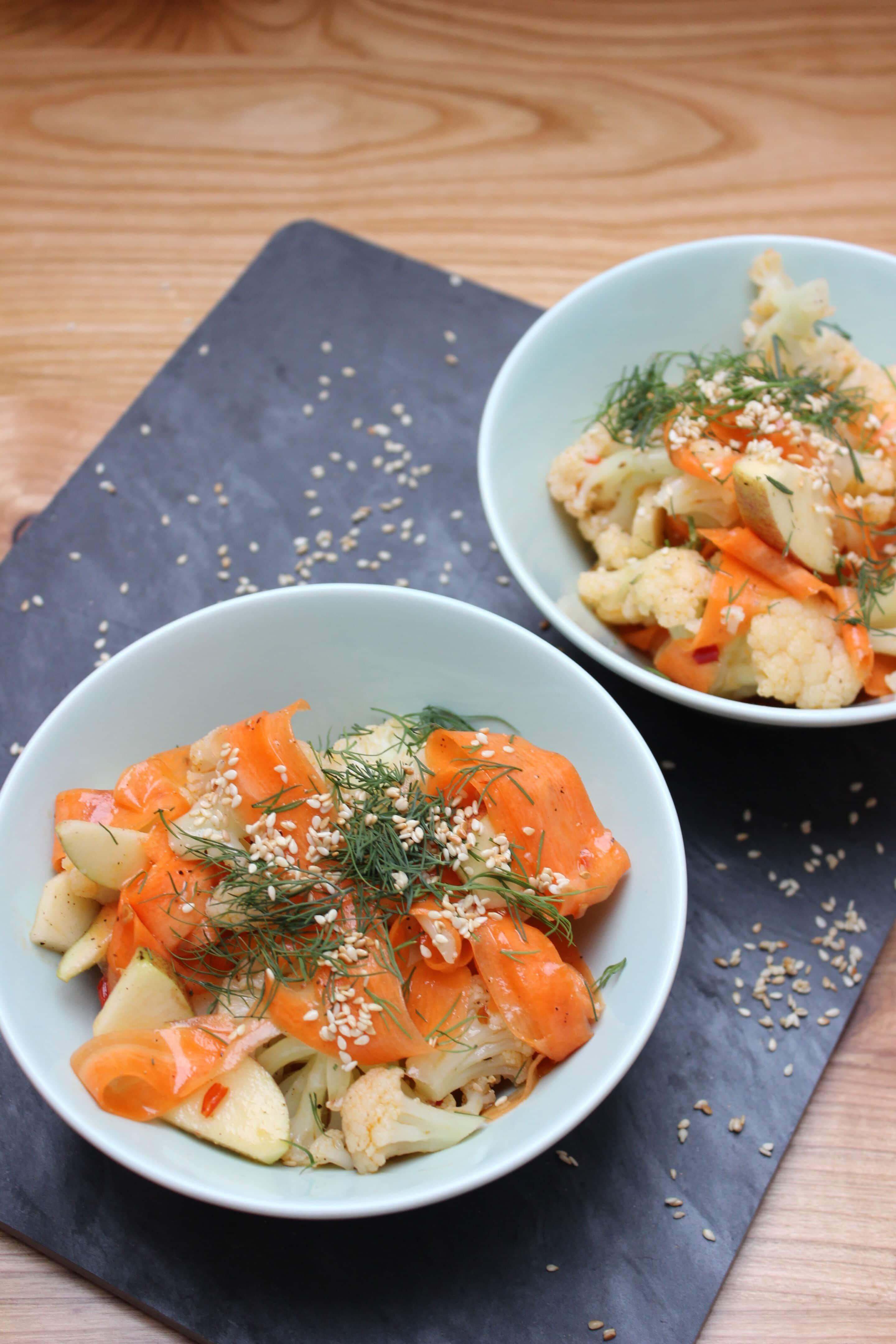 Asiatischer Blumenkohlsalat oder was Max Raabe zum Lunch isst
