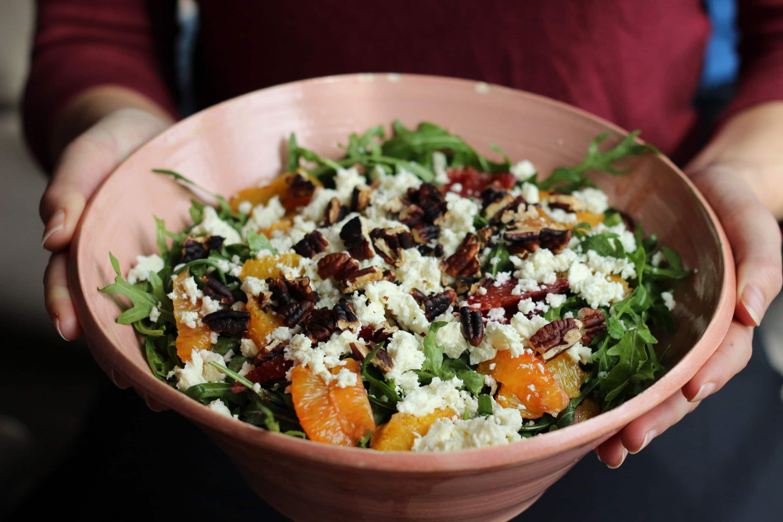 Rucola-Blutorangen-Salat mit Schafskäse und Pecannüssen oder Angrillen 2014