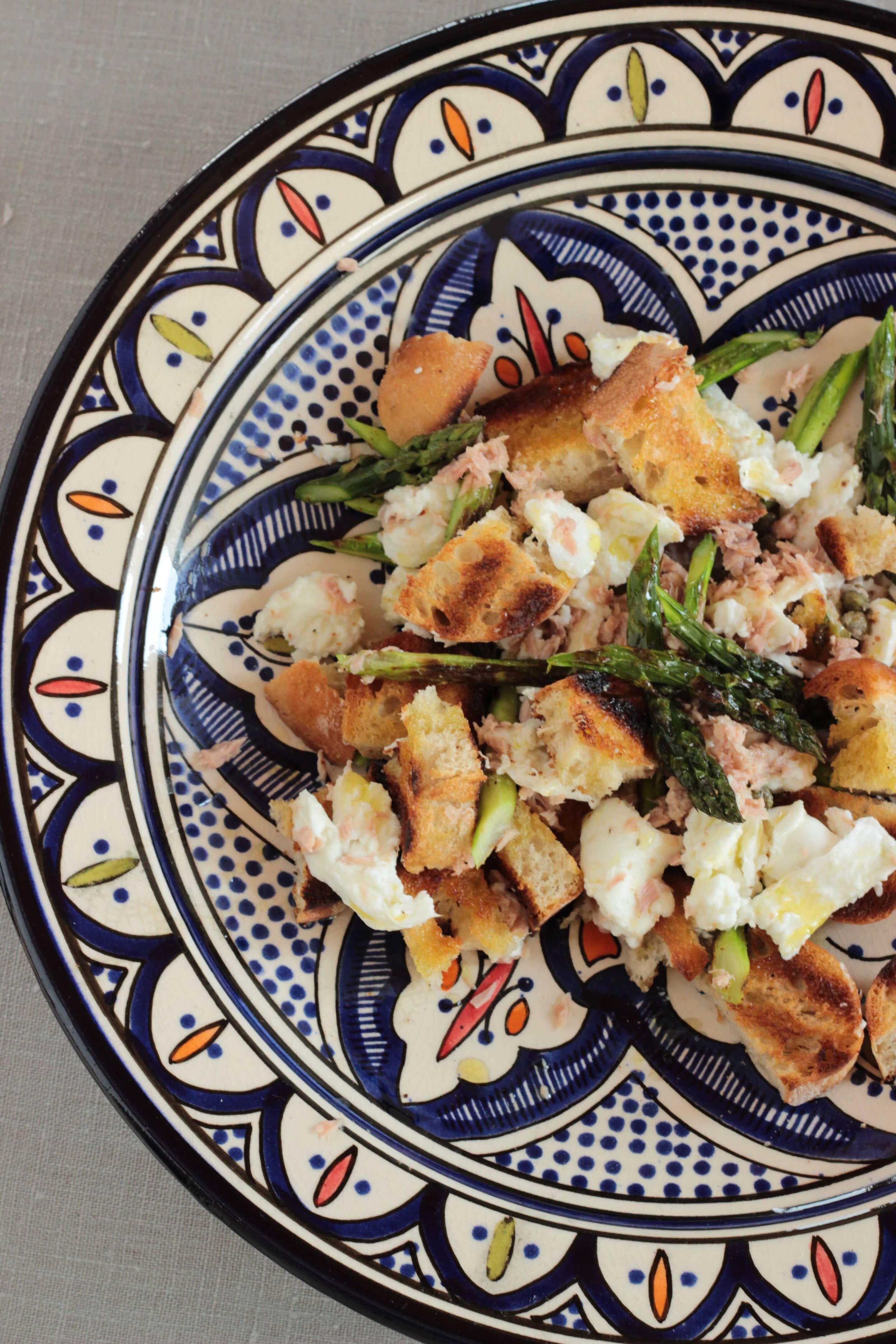 Spargel-Brotsalat vom Grill oder zurück aus Marrakesch
