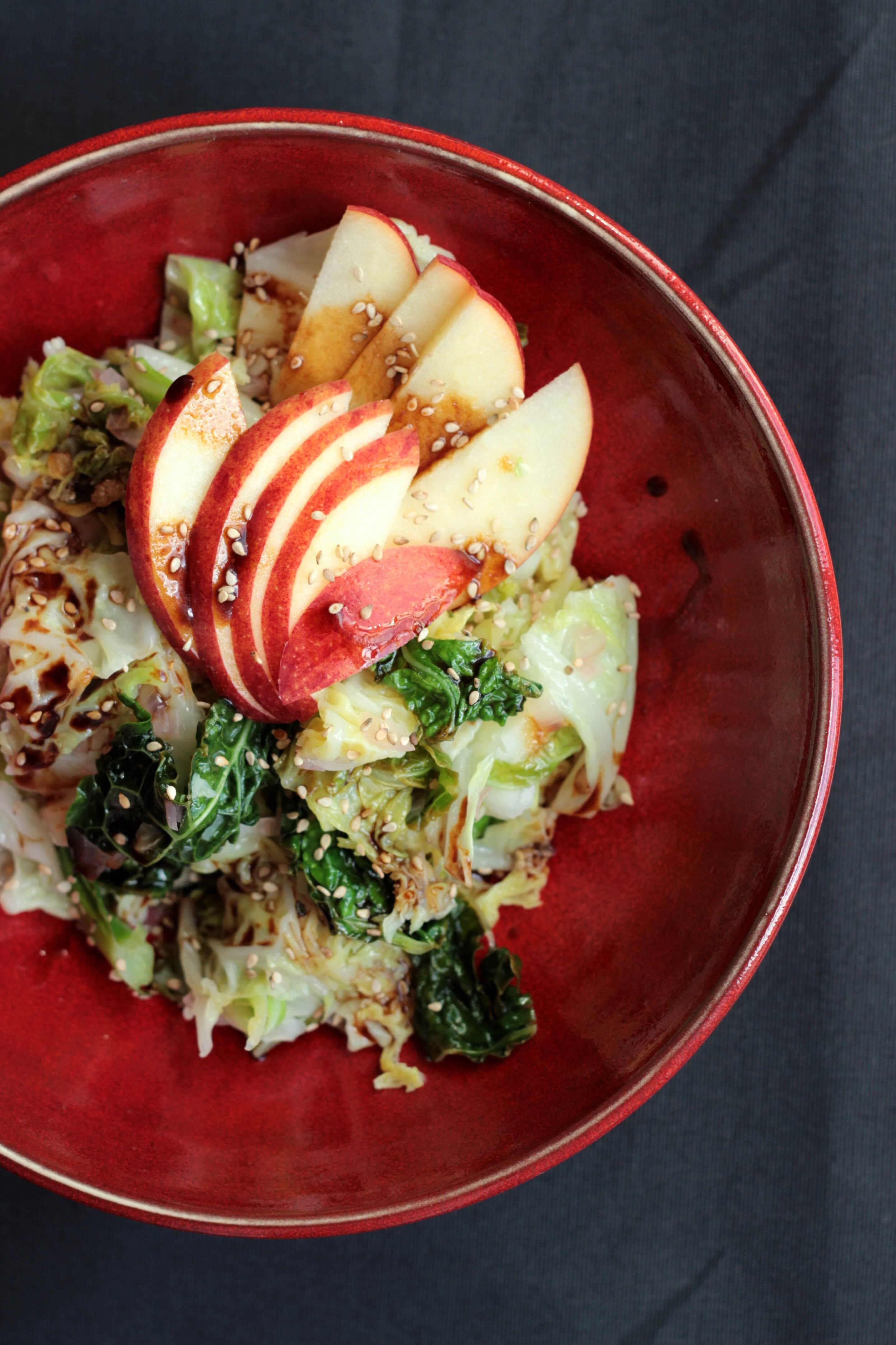 Asiatischer Wirsingsalat mit Apfel oder so gut kann Kohl schmecken