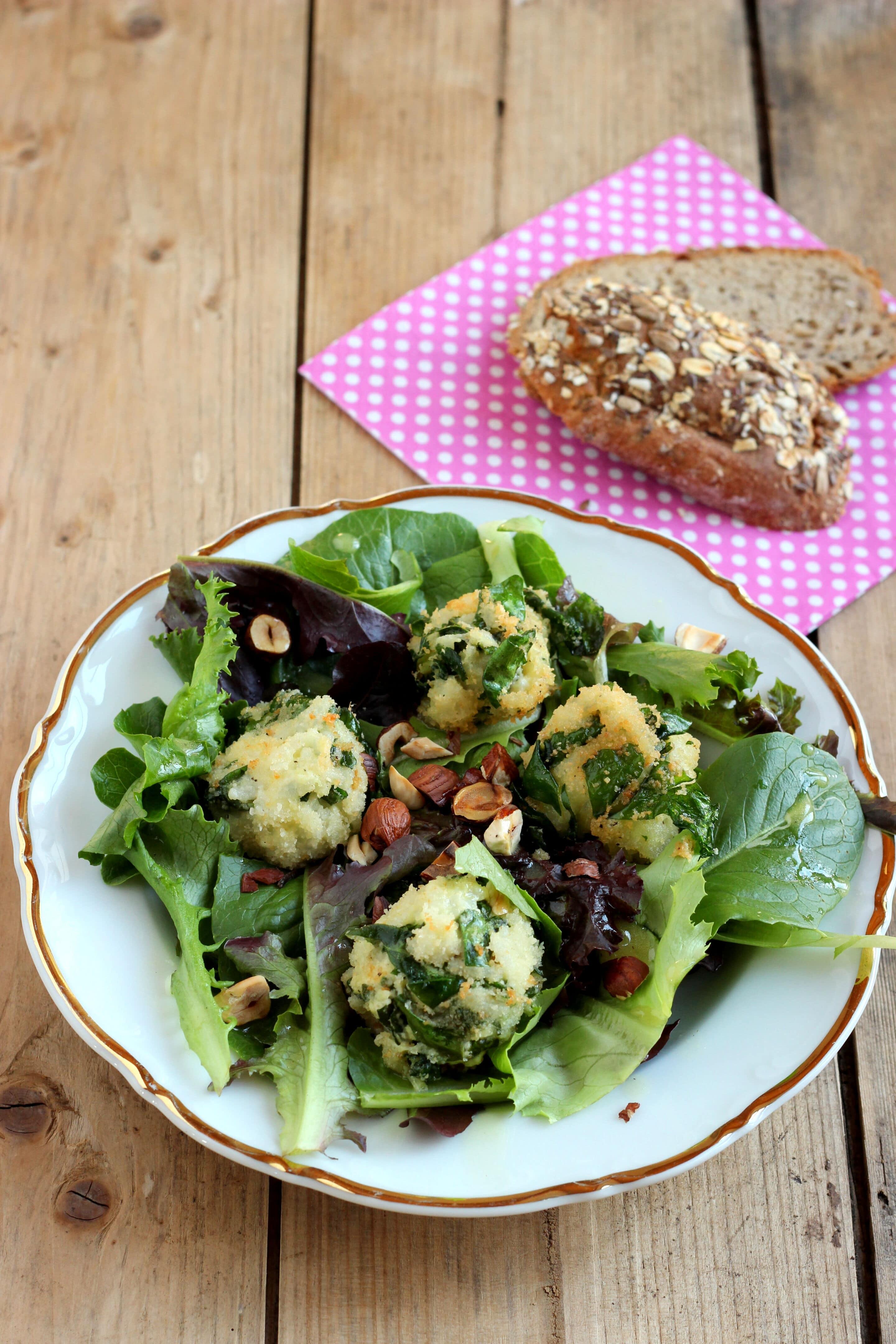 Pflücksalat mit Senf-Limetten-Dressing und Spinat-Reis-Bällchen oder wie man Salat-Fan wird!